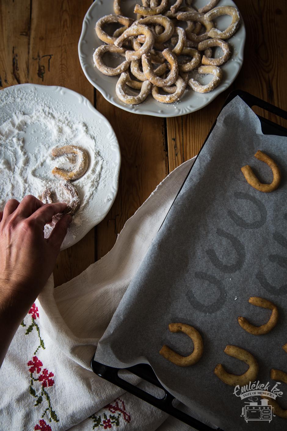 vaníliás kifli Mami receptje alapján az Emlékek Íze konyhájából