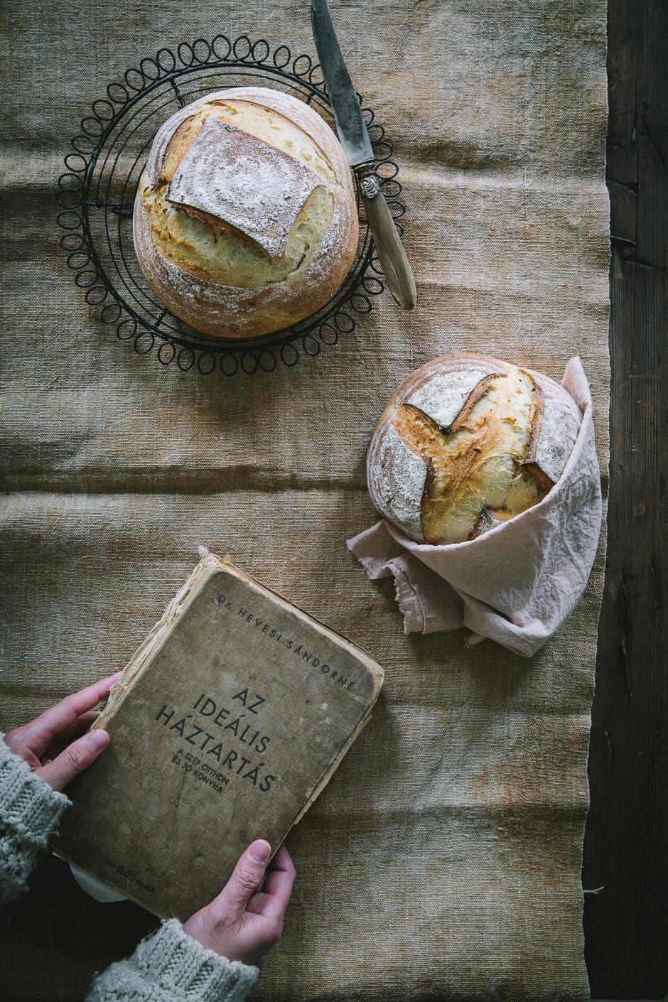 cukkinikrémleves burgonyás kenyérrel az Emlékek Íze konyhájából www.emlekekize.hu